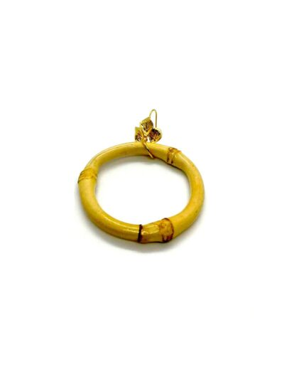 Pendientes paraiso, Pendiente de colgar con forma de flor y círculo de bambú.