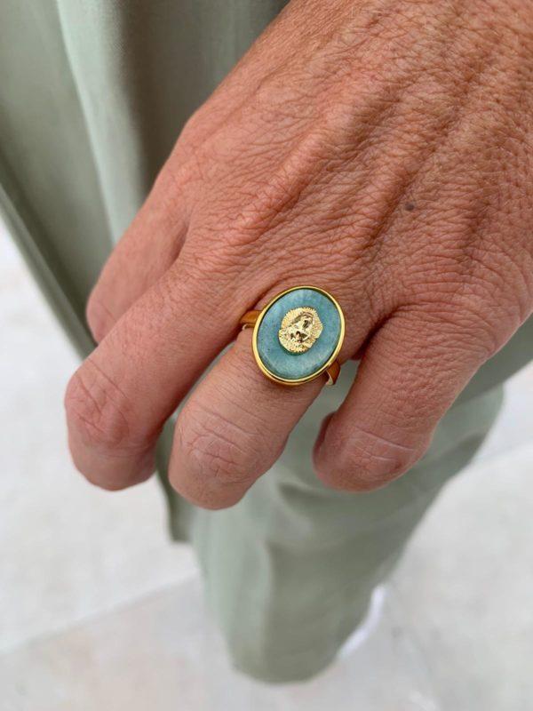 anillo de latón y amazonita con forma de León