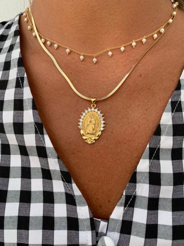 Collar perlas realizado en plata de ley y baño de oro