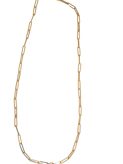 Collar eslabon alargado. Collar de eslabones de latón bañados en oro con cierre ovalado. Déjate seducir por sus líneas elegantes. Trepille
