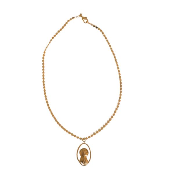 Medalla de Virgen niña y reverso de Santiago Apostol con cadena, labrada de plata y baño de oro de 1 micra. Elige tu cadena. Trepille