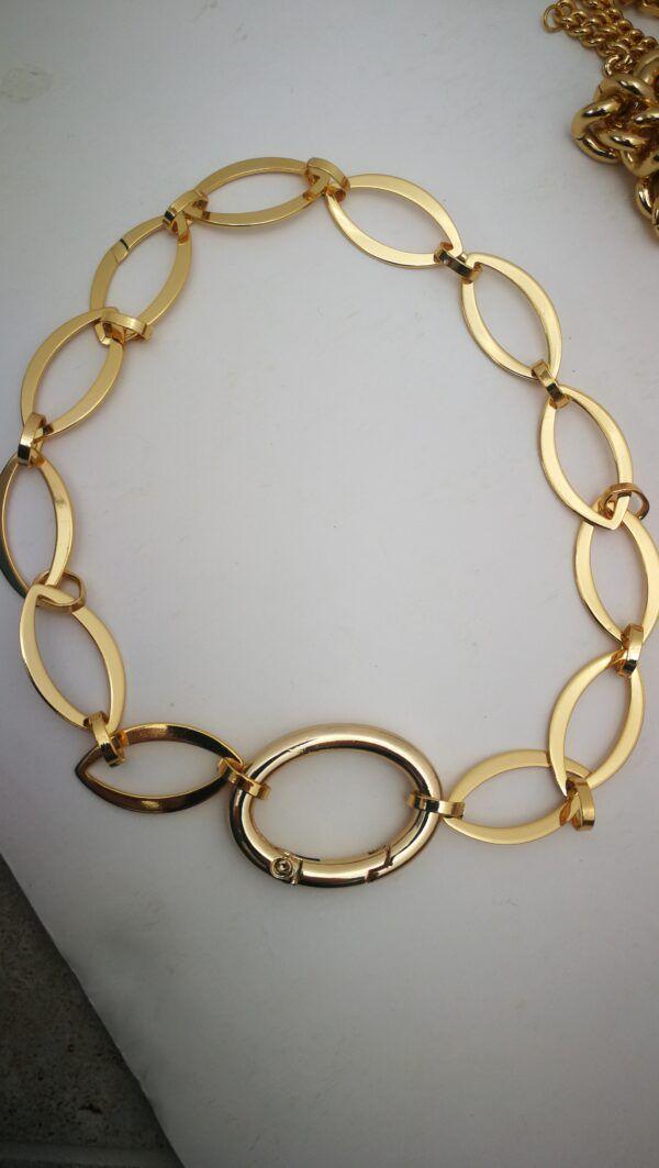 collar eslabones planos dorados largo
