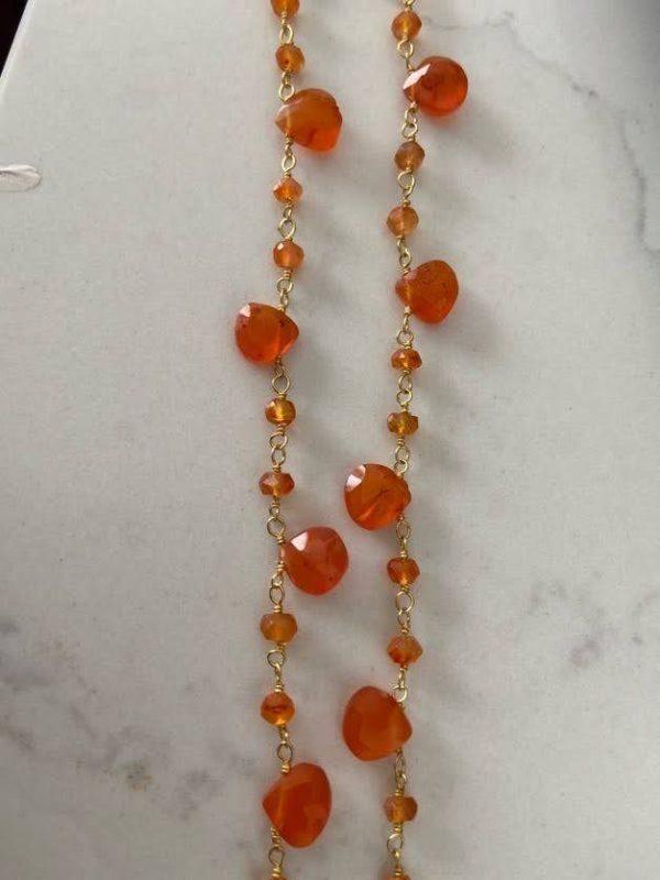 Collar calcedonias naranjas. Trepille